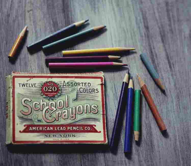 se-preparer-au-first-certificate-boite-de-crayons-americains