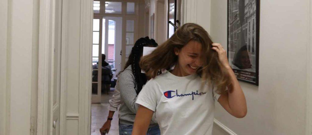 couloir Ipécom Paris, élèves cube prépa hec