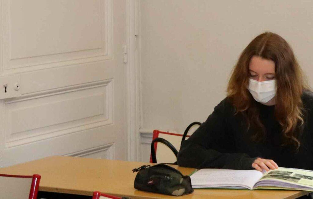 la scolarité en première au lycée privé Ipécom Paris